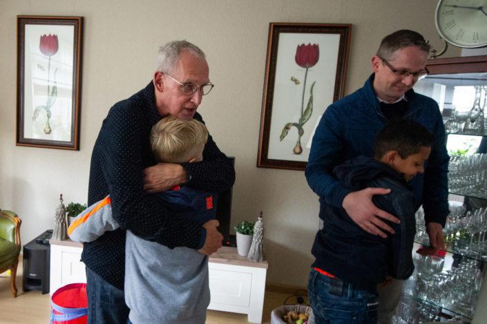 Opa en kleinkinderen - Dag in het Leven - Familiefotografie -Gerrit de Heus Media