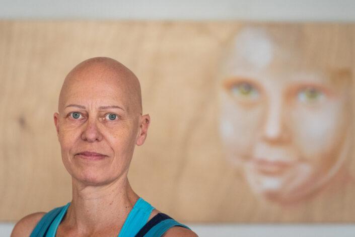 Portret van beeldend kunstenaar Margriet Snaterse. personal Branding Shoot door fotograaf Gerrit de Heus