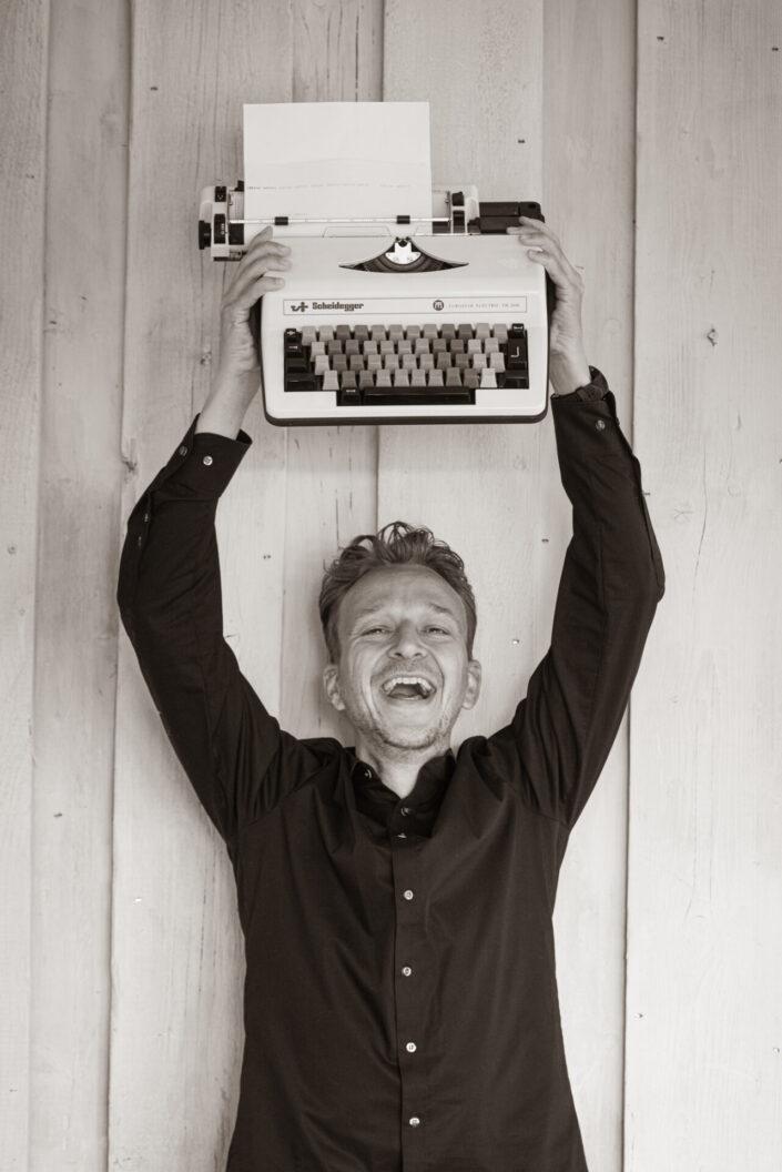 Portret van tekstschrijver Michel Rolvink uit een personal branding shoot door fotograaf Gerrit de Heus